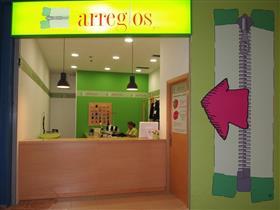 varios diseños nuevo producto bien fuera x Tienda de Arreglo de Ropa, Arreglos y Co